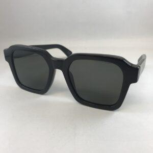 Dettagli su FENDI Shiny Black Occhiali da sole stile classico con logo di strass e Custodia mostra il titolo originale